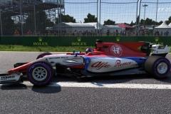 Alfa-Romeo-Sauber-C37-12