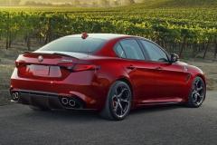 Alfa-Romeo-Stelvio-Quadrifoglio-22
