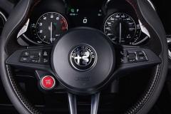 Alfa-Romeo-Stelvio-Quadrifoglio-26