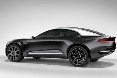 Aston-Martin-DBX-14