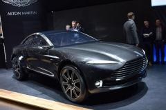 Aston-Martin-DBX-16