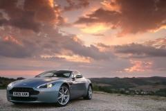 Aston-Martin-V8-10