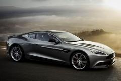 Aston-Martin-V8-13