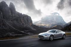 Aston-Martin-V8-4
