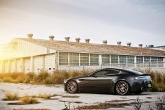 Aston-Martin-V8-6