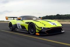 Aston-Martin-25