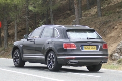 Bentley-Bentayga-PHEV-12