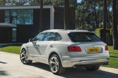 Bentley-Bentayga-PHEV-16