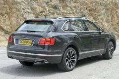 Bentley-Bentayga-PHEV-21