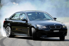 BMW-E60-M5-42