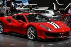 Ferrari-488-Pista-11