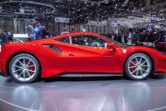 Ferrari-488-Pista-13