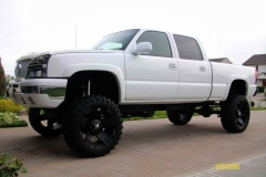Lifted-GMC-Trucks-4